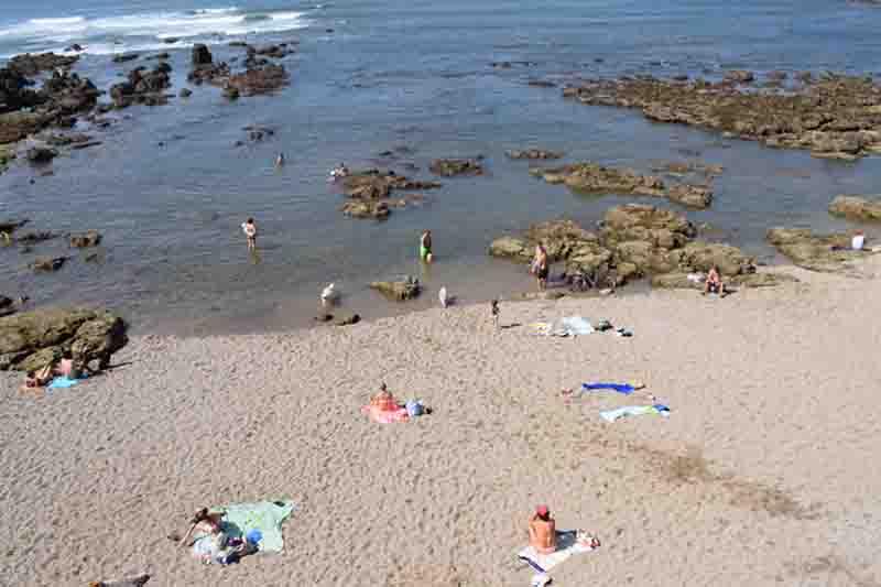 Vista de la playa para perros el Rinconín